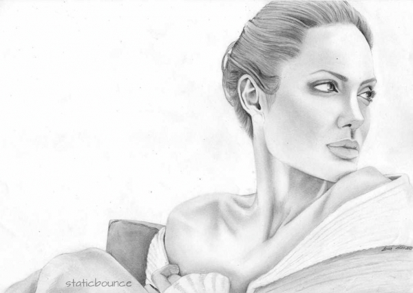 Angelina Jolie by staticbounce